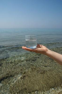 bicchiere acqua mare