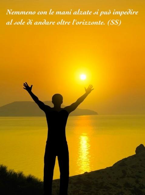 mani alzate sole